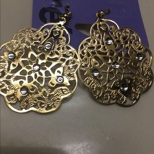 Claire's  earrings gold