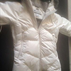 Columbia White Hooded Omni Heat Puffer Coat