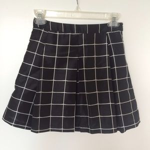 UO Inverted Pleat Skirt NWOT