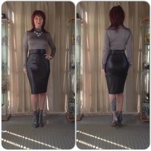 Dresses & Skirts - NEW BLACK FAUX LEATHER SKIRT