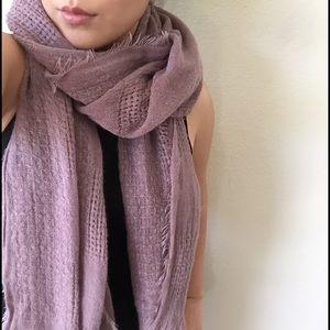 Accessories - Light purple scarf