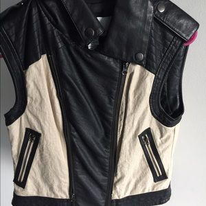 Bar III black and white vest