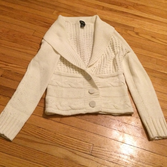 Cable knit white sweater medium Wet Seal GUC
