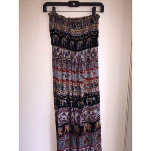 Dresses & Skirts - Elephant print maxi dress