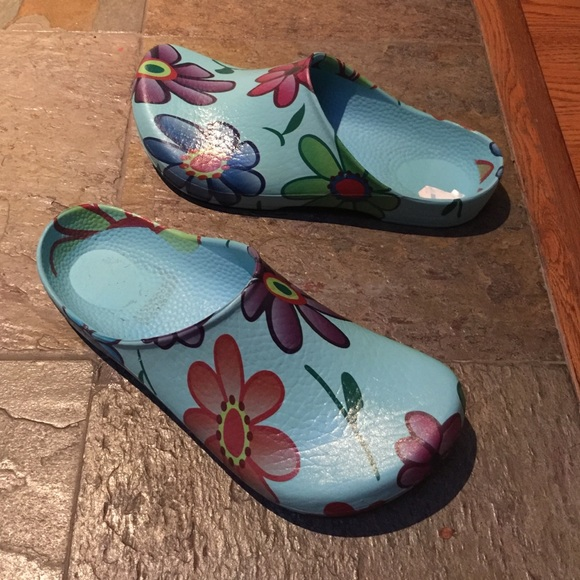 74 off Birkenstock Shoes New Birkenstock garden clogs from
