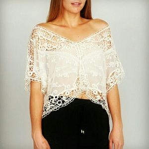 ARK & CO. - vintage inspired lace crop top