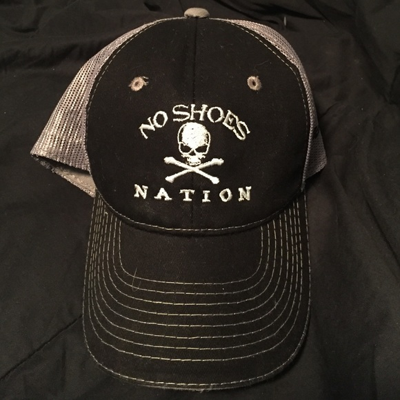 Accessories - NWOT Kenny Chesney No Shoes Nation Hat 988238b8b0b