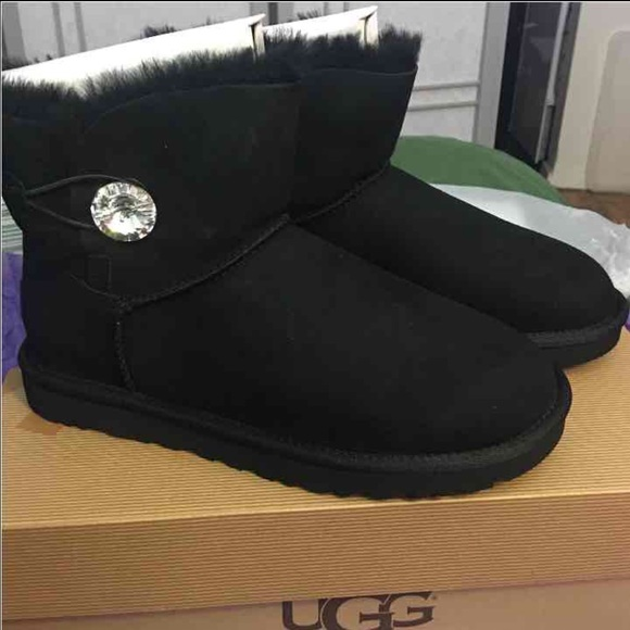 04ef06a48cb New UGG Mini Bailey Button Bling size 9 boots NWT