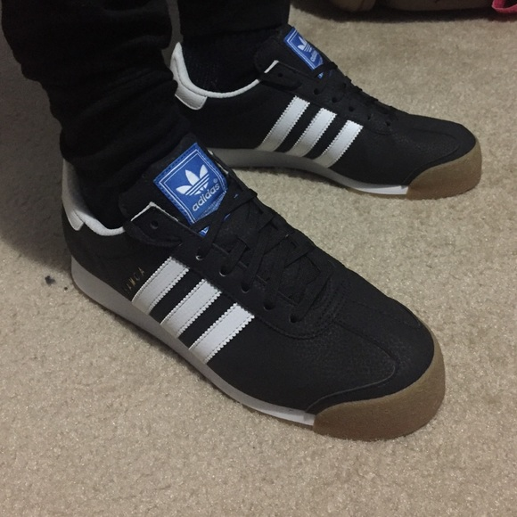 2e71f0b10989be Adidas Other - Black an white adidas Samoa low top