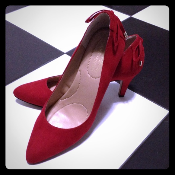 54a03b66c040 Coach and Four Shoes - Coach and Four red suede pumps