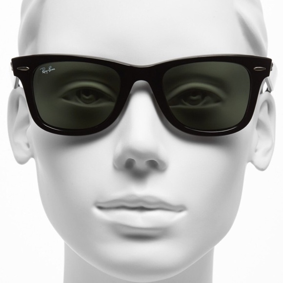30ee76139b5 Woman Classic  Wayfarer  Black Ray-Ban. M 56cbdb6ec6c795b0af014515