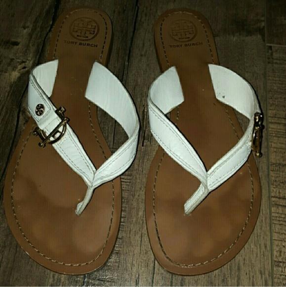 87d0ac597dcb Tory Burch Nora White Flat Thong Sandals. M 56cc7c459c6fcf9a9700234b