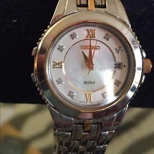 Seiko Accessories - Seiko two-toned wristwatch