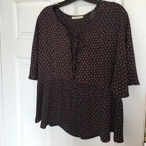 Le Lis Tops - CLOSET CLEAN OUT•Abstract Print Top•