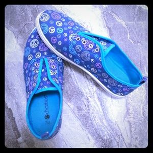 Chatties Shoes - Peace Print slip ons