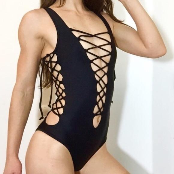 Big booty women with dildo