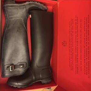 Hunter Boots Shoes - NWT WMN Hunter Boots in black matte