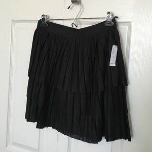New Old Navy pleated mini skirt