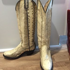 Vintage 100% Python boots