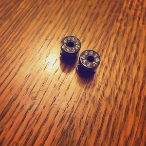 Hot Topic Jewelry - Size 6g black sparkley gauges