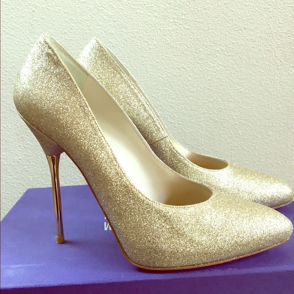 Stuart Weitzman Dagger Glitter Pumps w/ Tags clearance outlet store free shipping prices cheap sale online buy online outlet IDf1qLvz