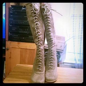 Shoes - Lace up boots EUC