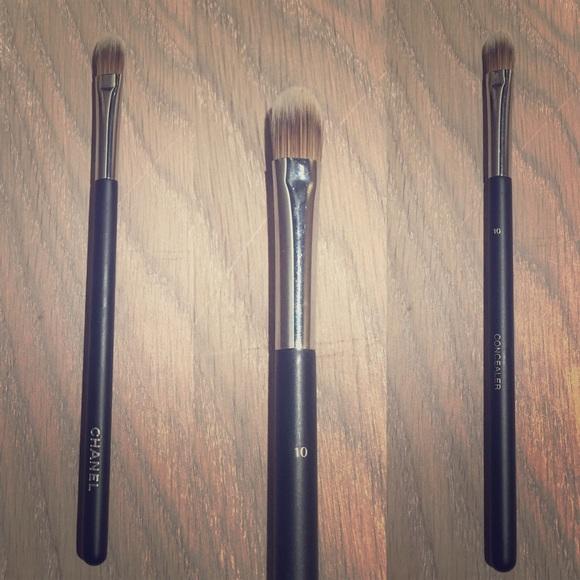 c6b174f51b NWOT CHANEL Concealer Brush #10