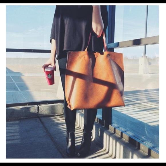 0b5e86b52 Oversized reversible vegan leather tote bag 💕. M_56cce98f2fd0b7d03200c6dd