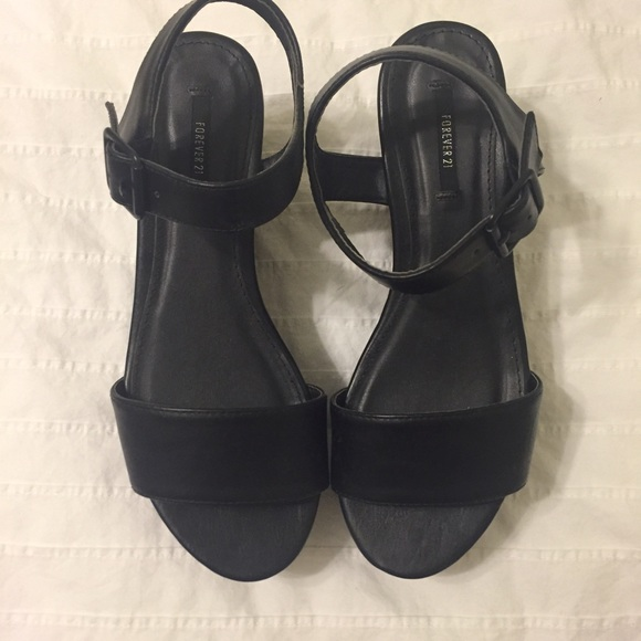 Forever 21 Shoes - Black flatform wedges