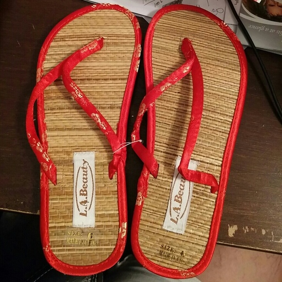b42032931 Ladies Bamboo Tatami Flip flops. NWT. LA Beauty
