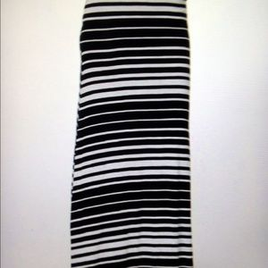 Bellino Clothing Dresses & Skirts - 🚫CLEARANCE🚫Black/White Stripe Maxi Skirt-New