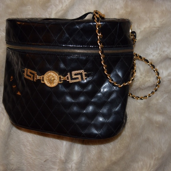 JL Lusso Handbags - Vintage JL Lusso Quilted Bag with Gold Hardware da9738a68eb55