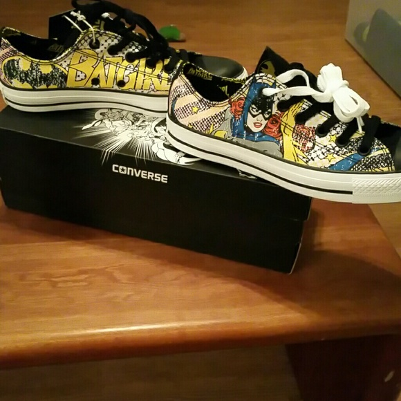 1b23f8c042bcf3 Batgirl Sneakers - BRAND NEW! DC Comics Converse