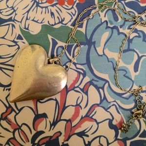 Jewelry - Vintage Style Heart Shaped Necklace