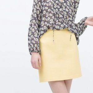 Zara Dresses & Skirts - Zara Yellow Skirt