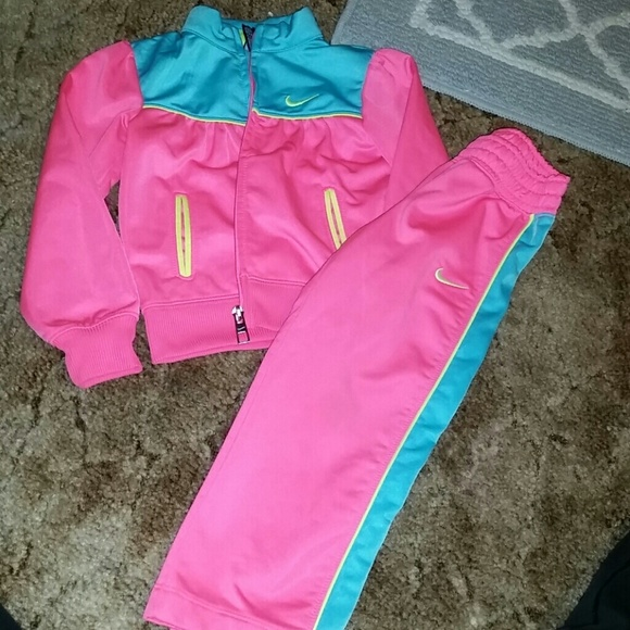 Toddler girl sweat suit. M 56cd22872ba50a3ff909c638 d4db619f204e