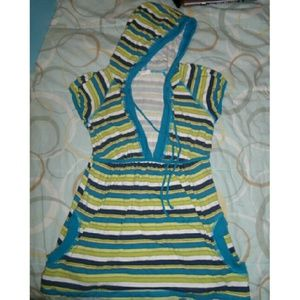 Blu Chic Brand (Buckle) striped hooded tunic top.