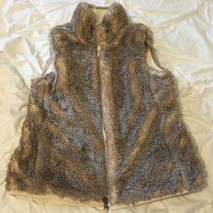 GAP Fur Vest