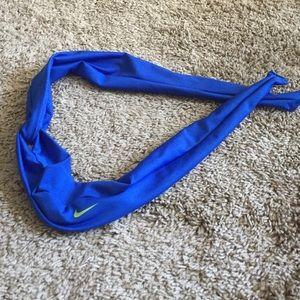 Nike Accessories - Nike Twist Headband 8c3ffa6f7f3