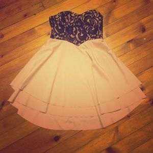 Lace black and pink strapless dress large EUC