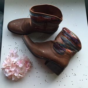 Shoes - Rare boots!