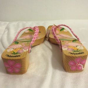 0c219435a5ee Woodies Shoes - NWT Woodies hand painted flamingo wood sandals