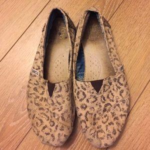 TOMS Shoes - Cheetah/ leopard print Toms