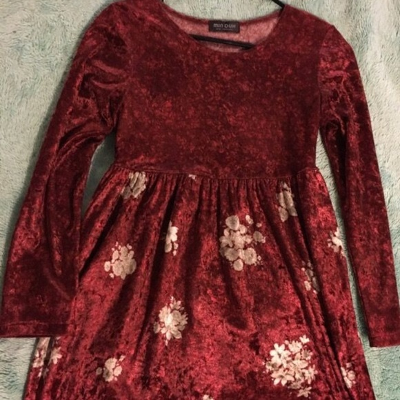 Dresses & Skirts - Velvet Floral Dress