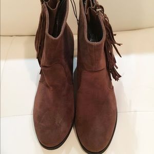BRAND NEW BROWN FRINGE BOOTS