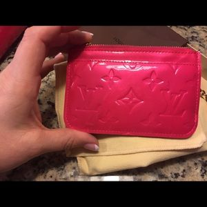 Louis Vuitton Bags - ❤️ sold ❤️Auth Louis Vuitton Rose Pop Cles EUC