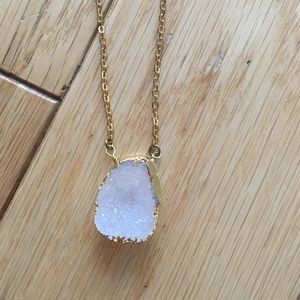 🆕 🎉 HP🎉 Gold Plated Druzy Quartz Necklace