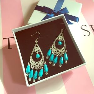 Jewelry - 🎉Blue stone dropping earring 🎉NWOT