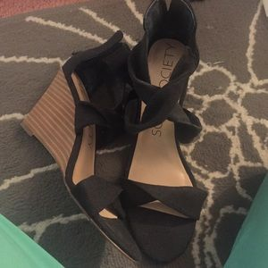 Sole Society Black Washed Wedges 6.5