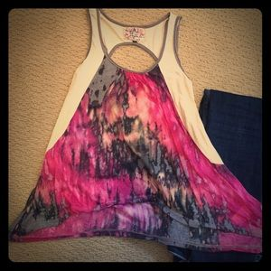 Scrapbook originals tie dyed tank top.  Crop cente